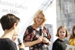 Kinderreporter mit Familienministerin Manuela Schwesig, © mediapool