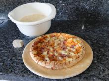 Was macht Hefe im Pizzateig?